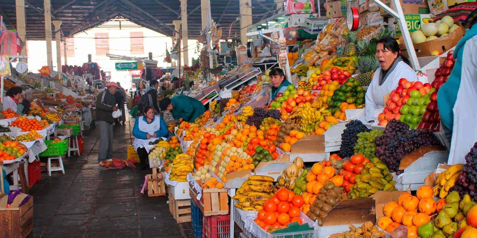 mercado-san-pedro-cusco